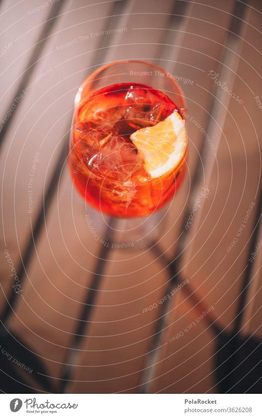 #A# Aperol Spritz zum Sonnenuntergang Alkohol alkoholisches Getränk Cocktail Sommer Strandbar Glas trinken Bar Farbfoto Longdrink Erfrischungsgetränk