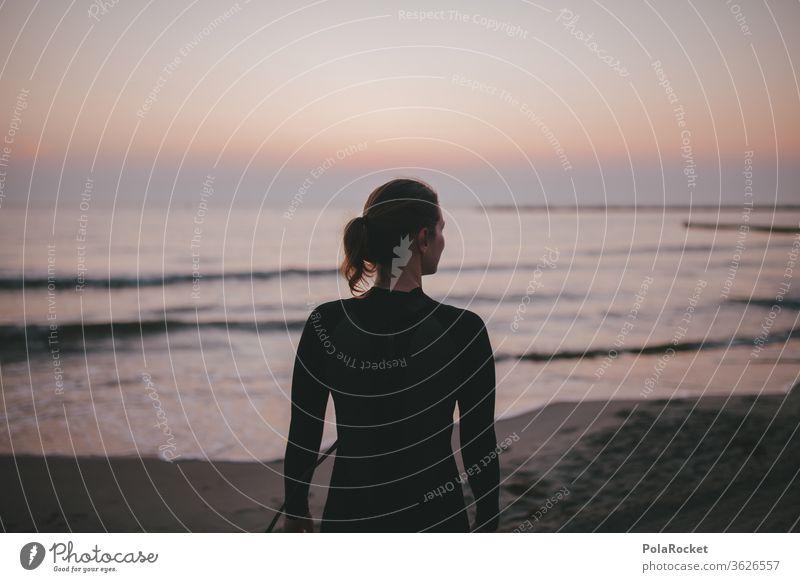 #A# Morning-Session Strand Frau Ostseestrand ostseeküste Ostseeküste Ausflugsziel Landschaft Romantik romantisch Wasser Farbfoto Mecklenburg-Vorpommern Himmel