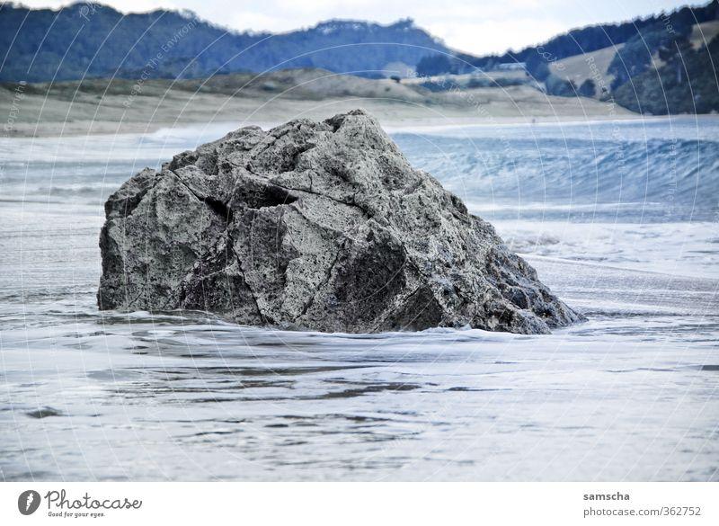 Küste Natur Ferien & Urlaub & Reisen alt Wasser Meer Landschaft Strand Umwelt Ferne Küste Freiheit Stein Felsen Wellen Tourismus groß