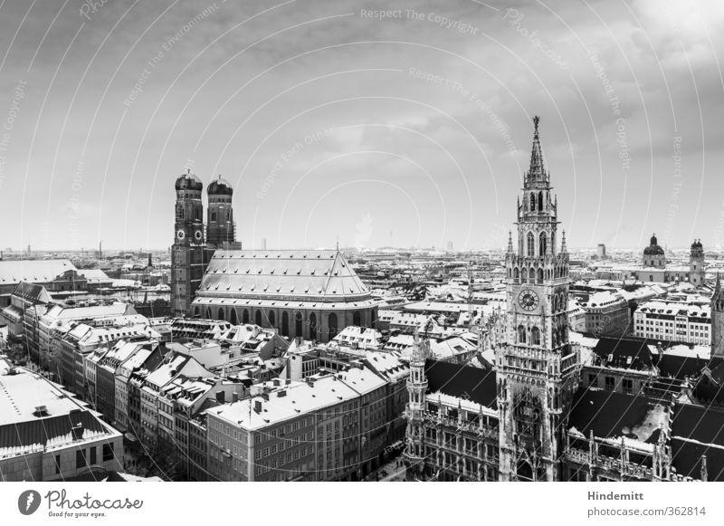 LOKALKOLORIT | Postkartn Minga II Himmel Ferien & Urlaub & Reisen Stadt weiß Wolken Haus schwarz Architektur Gebäude grau außergewöhnlich Uhr Tourismus hoch Kirche bedrohlich