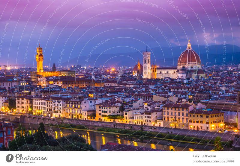 Die Stadt Florenz am Abend - Panoramablick Italien toskana brennen Toskana Architektur Vecchio Großstadt Italienisch reisen Stadtbild Europa alt Arno Fluss