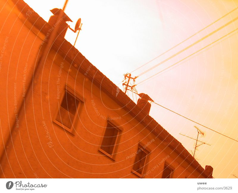 wired house rot Haus Architektur Kabel Bayern