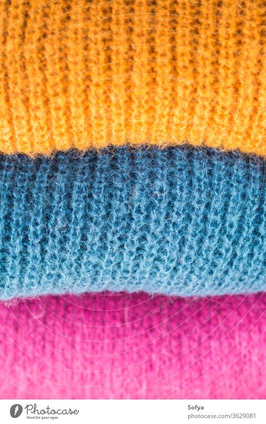Kuschelige winterliche bunte Wollpullover Pullover Frau Herbst Mode Textur Winter rosa Werkstatt weich Strickwaren Weichheit gewebt Stapel Laden Wollstoff Stil