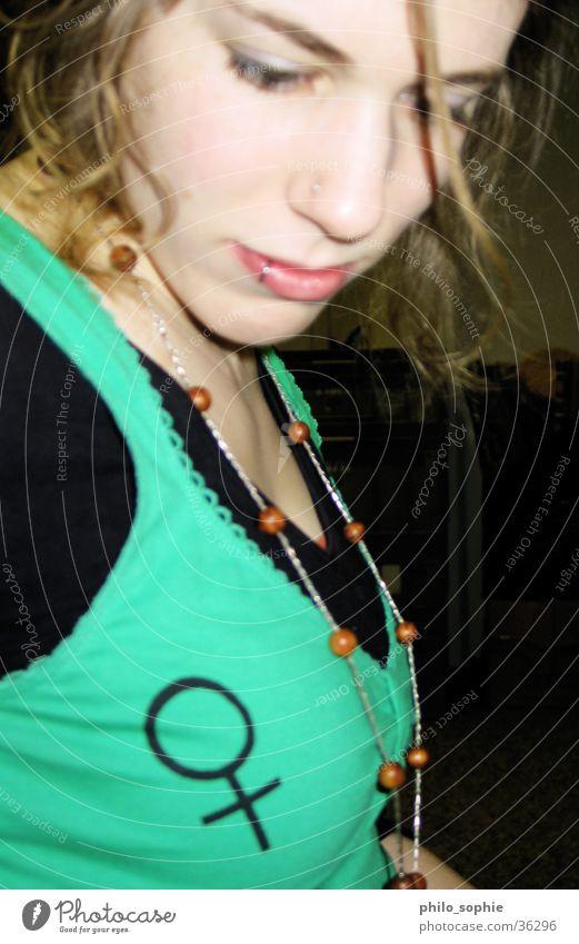 Frauen an die Macht!!!! Mensch grün feminin Bekleidung Kette Piercing