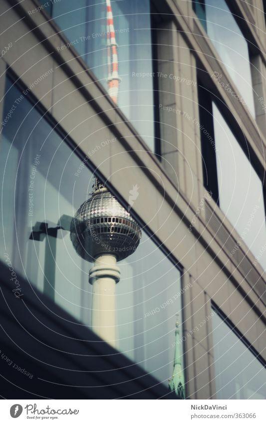 Berlin Fernsehturm Ferien & Urlaub & Reisen Stadt Fenster Architektur Gebäude Fassade stehen Ausflug Technik & Technologie Turm Kultur Bauwerk Fernsehen lang