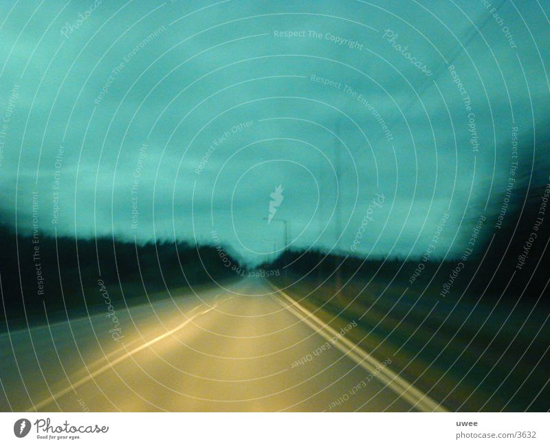 endless street Straße dunkel Bewegung Landschaft trist fahren Ende Finnland Skandinavien