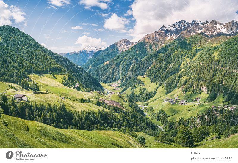 Passeiertal, Südtirol, Italien - Blick übers Passeiertal oberhalb von Moos bei Rabenstein, Südtirol, Italien. Berg Tal Landschaft Natur Szenerie Alpen Meran