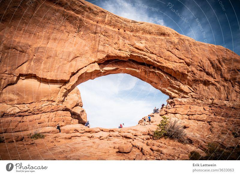 Die Löcher in den Felsen des Arches-Nationalparks Park Bogen national USA Landschaft malerisch Utah Moab amerika Erosion Geologie Sandstein wüst Bögen natürlich
