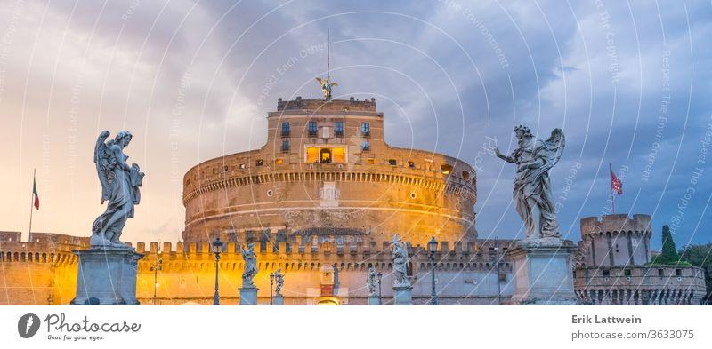 Sehr beliebte Attraktion in der Stadt Rom - Das Castel Sant Angelo - Engelsburg Italien Vatikan Italienisch Kapital Stadtbilder Europa EU Sightseeing reisen