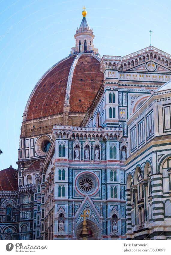 Die Kathedrale Santa Maria del Fiore in Florenz auf dem Domplatz - größte Attraktion der Stadt Italien toskana brennen Toskana Architektur Vecchio Großstadt