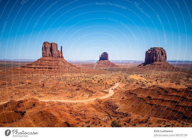 Monument Valley in Utah Oljato wüst Landschaft Felsen reisen Tal Denkmal Arizona USA amerika Westen Inder navajo rot südwestlich Schlucht mesa Park Natur Sand