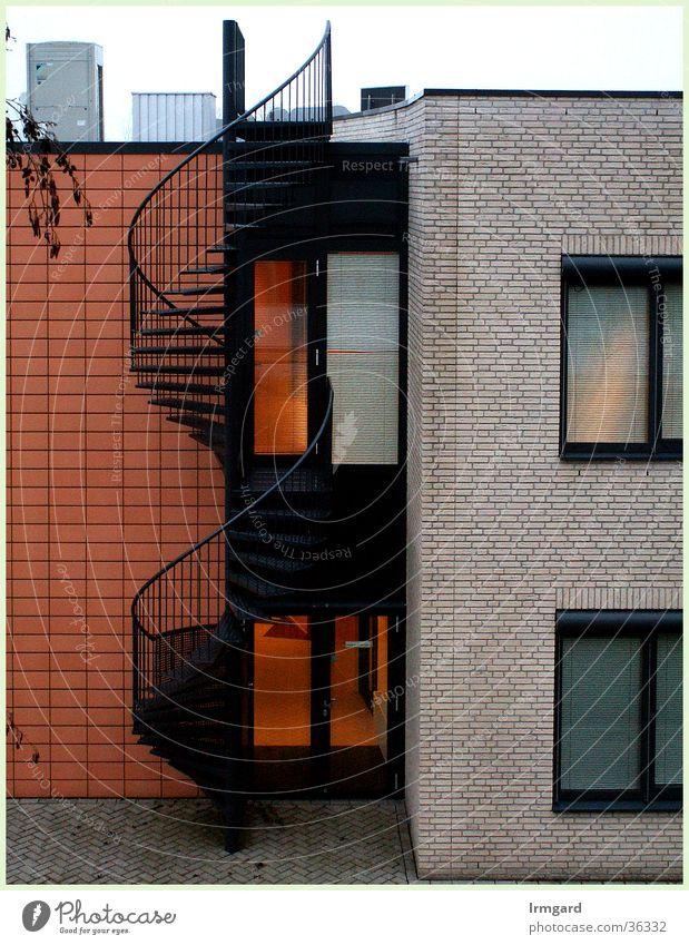 Wendeltreppe Architektur Treppe rot-weiß