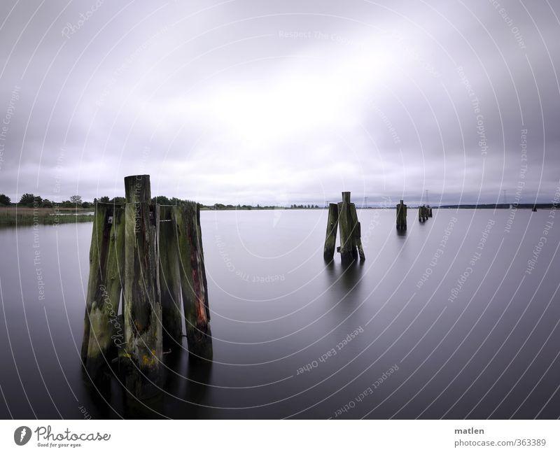 piano Landschaft Wasser Himmel Wolken Horizont Klima schlechtes Wetter Küste Bucht Menschenleer Schifffahrt Hafen braun grau Ruhestand ruhig Farbfoto