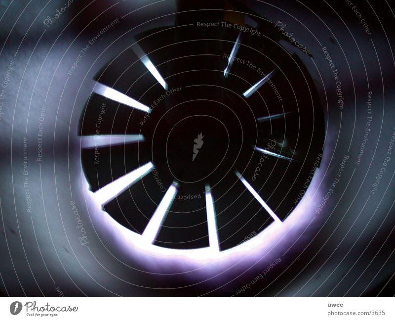 dark wheel heiß kalt Licht Physik frieren Dinge rund Winter Industrie Gas heizer blau Flamme Brand Wärme Detailaufnahme Gerät Technik & Technologie