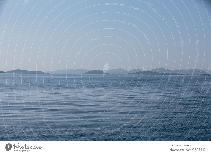 Meer, Kroatien Insel Küste meerlandschaft Landschaft Berge u. Gebirge blau grau Urlaub Touristen reisen Erholung Tourismus Natur Ferien & Urlaub & Reisen Sommer