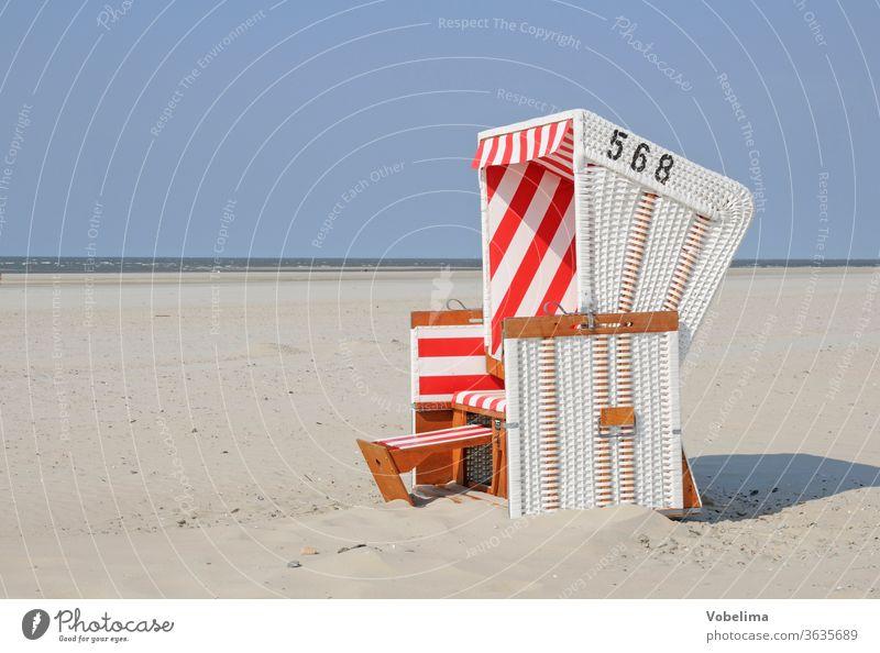 Strandkorb auf Baltrum sandstrand ostfriesland nordsee niedersachsen strandkorb strandkörbe norddeutschland urlaub tourismus freizeit himmel touristik reise