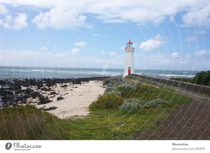Griffith Island Leuchtturm Einsamkeit Meer Küste Wellen rote Tür Insel Turm
