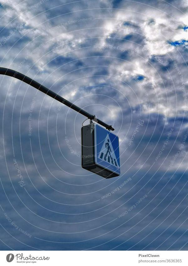 Spaziergang im Himmel Verkehrsschild Schilder & Markierungen Straßennamenschild Warnschild blau Wolken