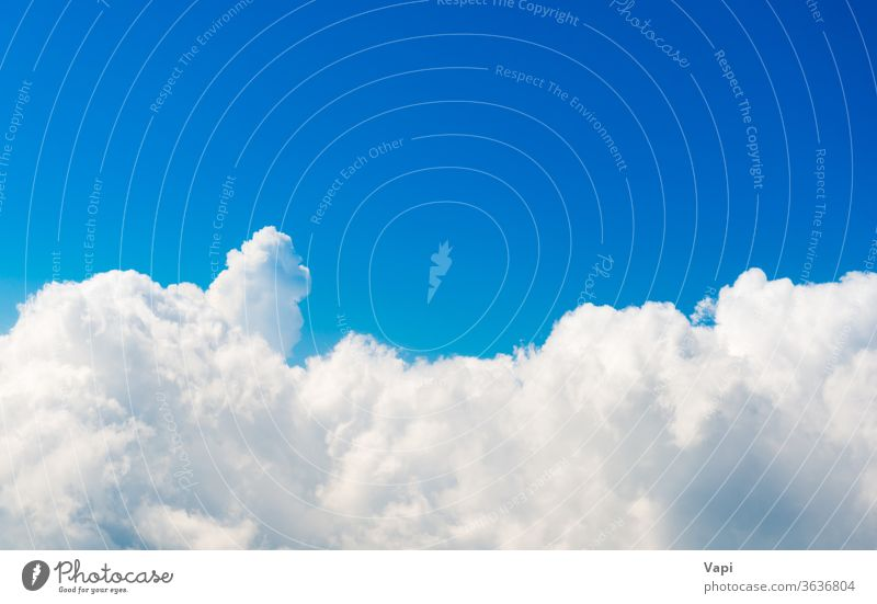 Weiße Wolken am blauen Himmel Cloud Air weiß Natur Hintergrund Wetter Himmel (Jenseits) hell schön Licht Wolkenlandschaft hoch Schönheit Tag wolkig Farbe Sommer