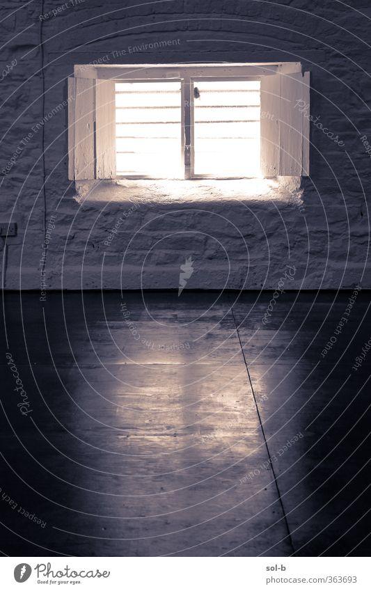 Studio eins Häusliches Leben Haus Innenarchitektur Architektur Mauer Wand Fenster alt dunkel Sehnsucht Einsamkeit Freiheit Fensterrahmen offen Fensterladen
