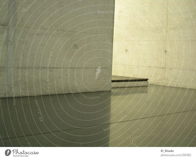 um die Ecke Beton grau Wand leer Architektur Treppe ruhig Innenaufnahme