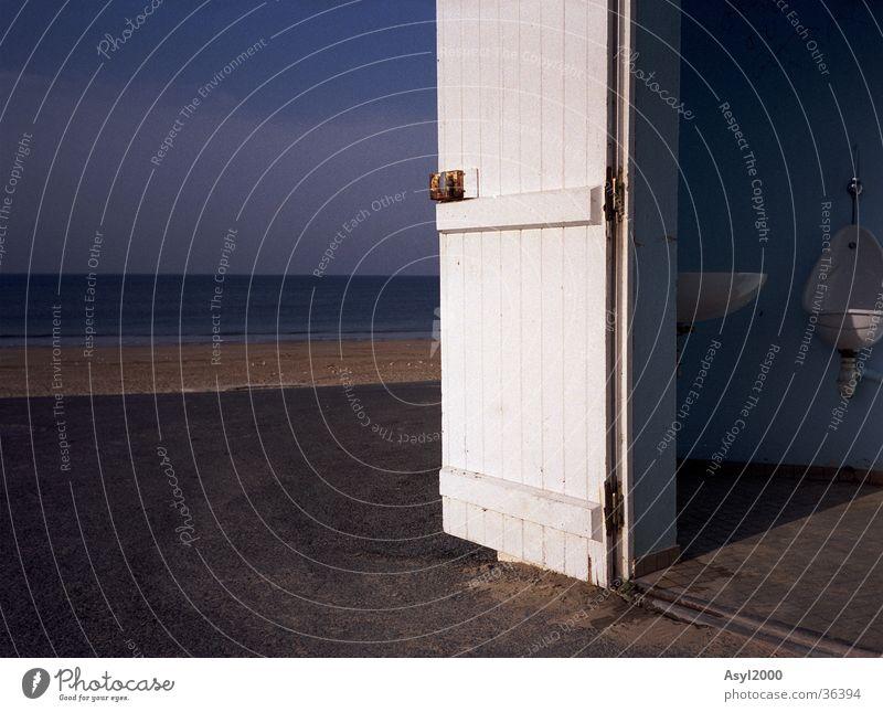 Morgenluft Atlantik Meer weiß Waschbecken Europa blau Tür Toilette Sonne