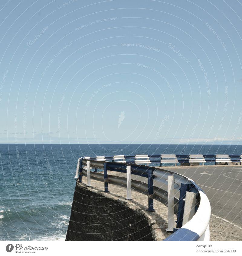 Schluck Wasser in der Kurve blau weiß Meer Straße Küste Verkehr Geschwindigkeit Brücke Hafen Bauwerk Schifffahrt Rennsport Fahrzeug Kurve Autofahren Rennbahn