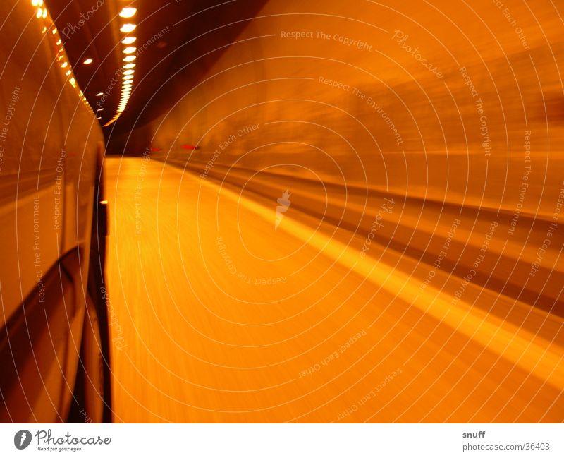 Tunnel PKW Verkehr Geschwindigkeit Autobahn Tunnel