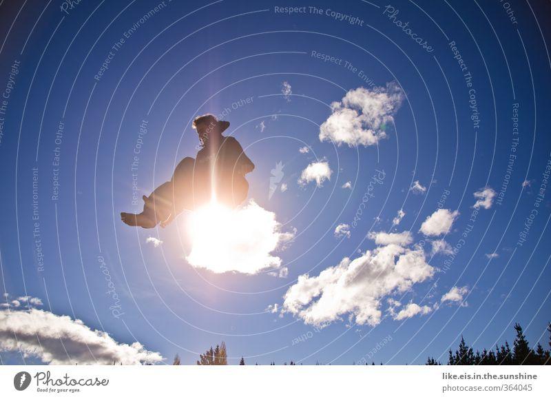 schön da oben auf Wolke 7 Leben Zufriedenheit Erholung ruhig Freizeit & Hobby Spielen Sommerurlaub Sonne Sport maskulin Junger Mann Jugendliche Umwelt Natur