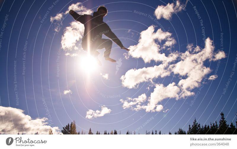 energized II Glück Leben Zufriedenheit Erholung Freizeit & Hobby Spielen Sommerurlaub Sonne Sport maskulin Junger Mann Jugendliche Umwelt Natur Wolken