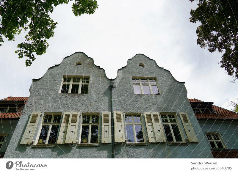 Alte Villen in Duisburg Häuser Fassaden Villa Fensterläden Hausbau Architektur gemütlich hohe Decken altes Haus