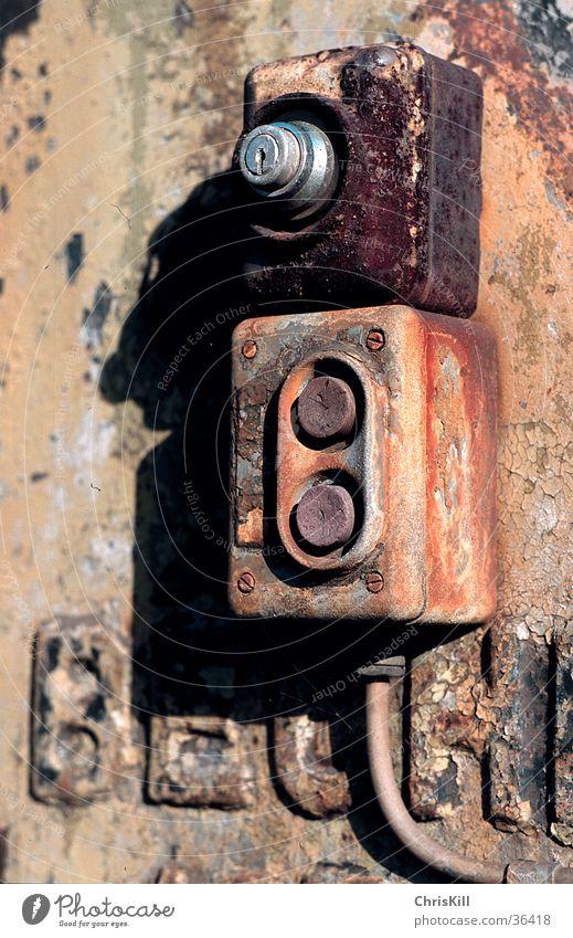 Schaltknöpfe alt Metall Industrie Kabel Rost Elektrisches Gerät