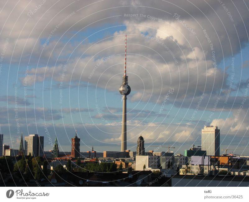 Fernsehturm Berlin Kommunizieren Denkmal Wahrzeichen Berliner Fernsehturm Nachmittag