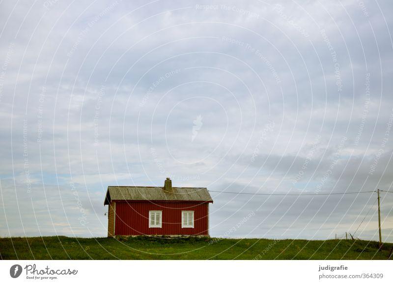 Norwegen Umwelt Natur Landschaft Himmel Wolken Wiese Küste Haus Hütte Gebäude Architektur klein Stimmung Einsamkeit Leben ruhig Häusliches Leben Farbfoto