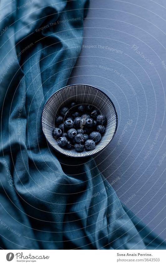 Blaubeeren wandfarbe Farbe natürliches Licht Essen Ernährung Gesundheit Lebensmittel Vegane Ernährung Foodfotografie Frühstück wohnen Innenaufnahme Stoff