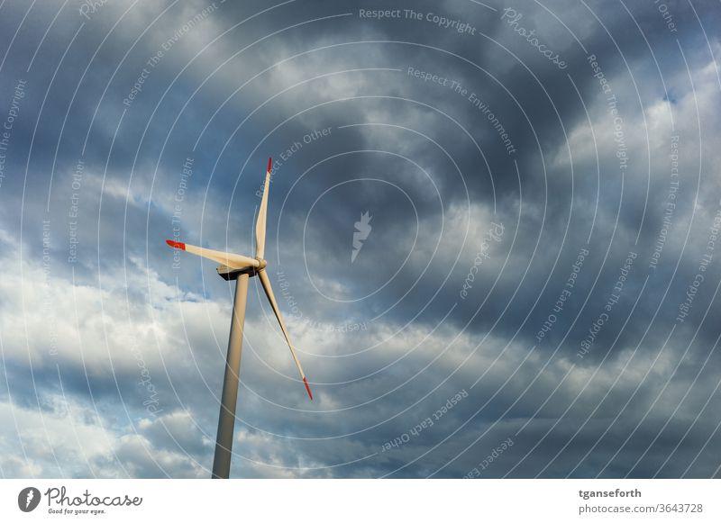 Wind Energie Windkraftanlage Wolken Energiewirtschaft Elektrizität Industrie Erneuerbare Energie Himmel Umwelt ökologisch Technik & Technologie umweltfreundlich
