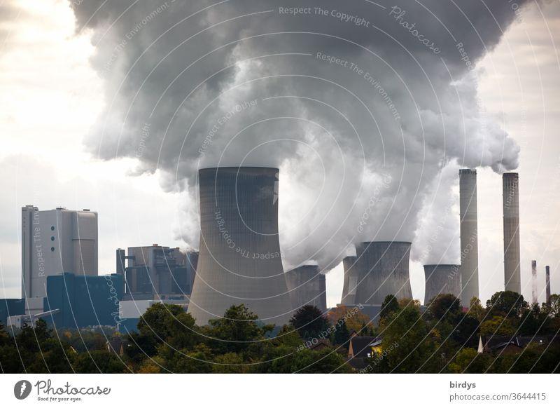 Kohlekraftwerke, Braunkohlenkraftwerk Niederaußem Braunkohlekraftwerk RWE Klimawandel Kühltürme Stromgewinnung Umweltbelastung Luftverschmutzung CO2-Ausstoß