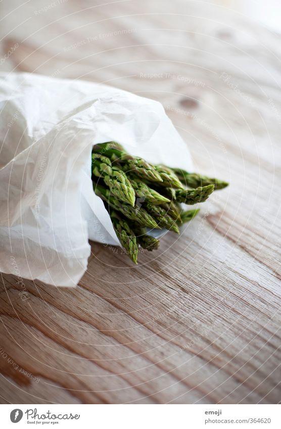 Spargel Lebensmittel Gemüse Ernährung Bioprodukte Vegetarische Ernährung Diät natürlich grün Saison Spargelbund Spargelzeit Farbfoto Innenaufnahme Nahaufnahme