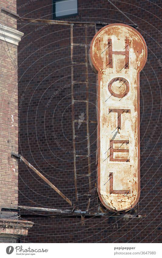 HOTEL Schild New York Hotel Haus Fassade Gebäude Schilder & Markierungen Wand Mauer Außenaufnahme Menschenleer Schriftzeichen New York City USA Architektur