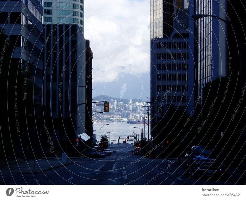 City Stadt Gebäude Architektur Hochhaus Durchblick Vancouver Kanada Straßenschlucht Hochhausfassade