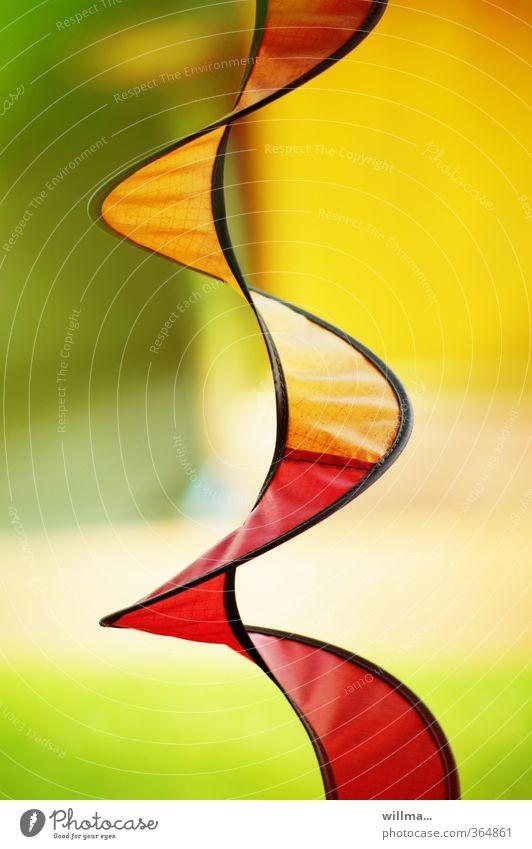 ich sitze auf der terrasse und... harmonisch Wohlgefühl Erholung Windspiel gelb grün orange rot ästhetisch Zufriedenheit Farbe beruhigend positiv