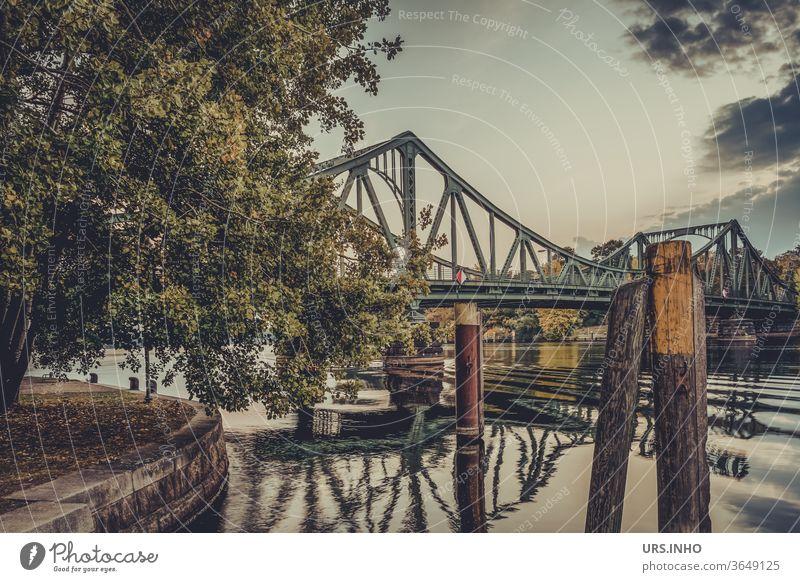 Glienicker Brücke | Verbindung zwischen Ost und West über die Havel Potsdam Berlin Brandenburg Reisen Sehenswürdigkeit Wahrzeichen historisch Hauptstadt