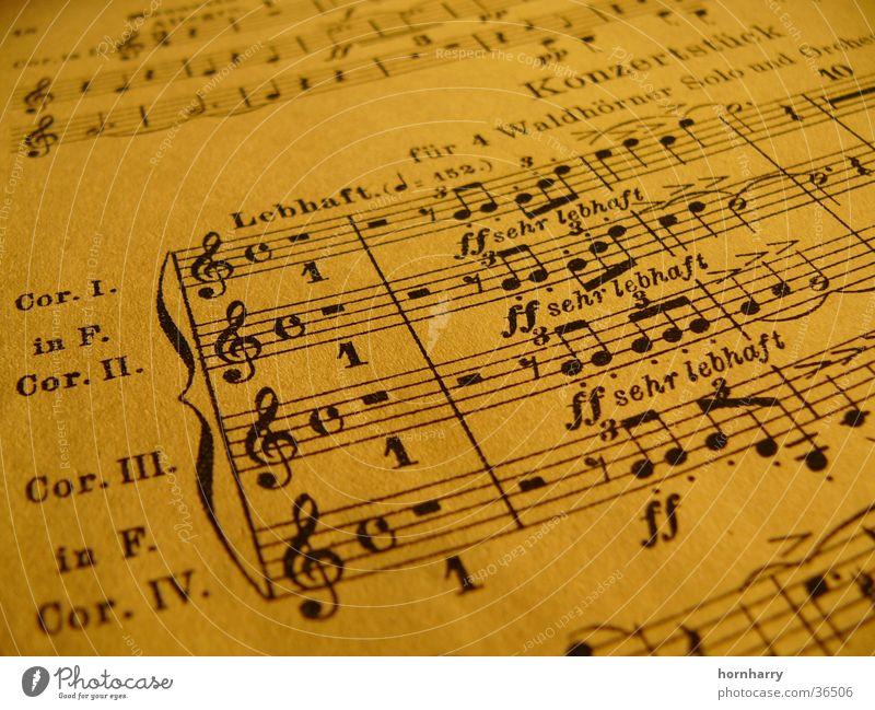 Konzertstück für 4 Hörner Papier Notenschlüssel Pause Tinte Notenblatt Musik Musiknoten Horn Schumann Triole Notenlinien Partitur