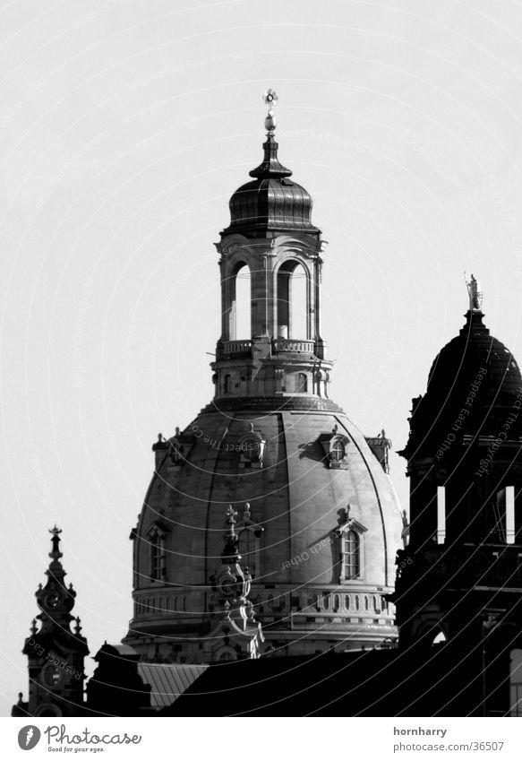 Steinerne Kuppel Kuppeldach Sandstein Glocke Dresden Erneuerung Krieg Versöhnung Gotteshäuser Frauenkirche Religion & Glaube Turm