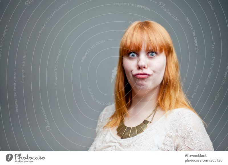 Hmm...joah! Mensch Frau Jugendliche Junge Frau Erwachsene 18-30 Jahre feminin grau orange authentisch Sex verrückt Neugier Fressen Euphorie rothaarig