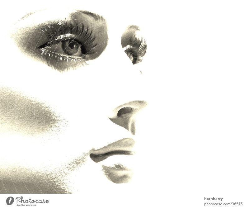 Blick Frau schön weiß Gesicht Auge Mund Nase Lippen Puppe Wange bleich Wimpern Schaufensterpuppe Porträt Duplex