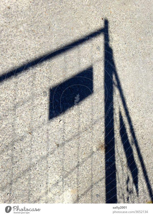 Der Schatten des Bauzauns... Baustelle Barriere Zaun Sicherheit Gitter Schutz Strukturen & Formen Metallzaun Konstruktion Schilder & Markierungen Muster