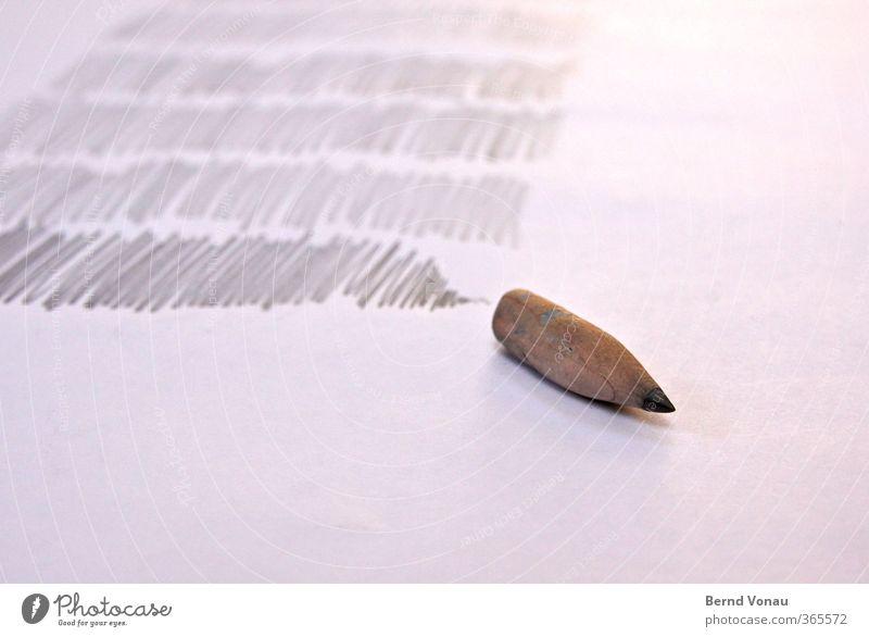 Ich kann nicht mehr! Papier Schreibstift schreiben grau Bleistift Arbeitspause Feierabend fertig Ende Abnutzung verbraucht heimwärts Erschöpfung Akkordarbeiter