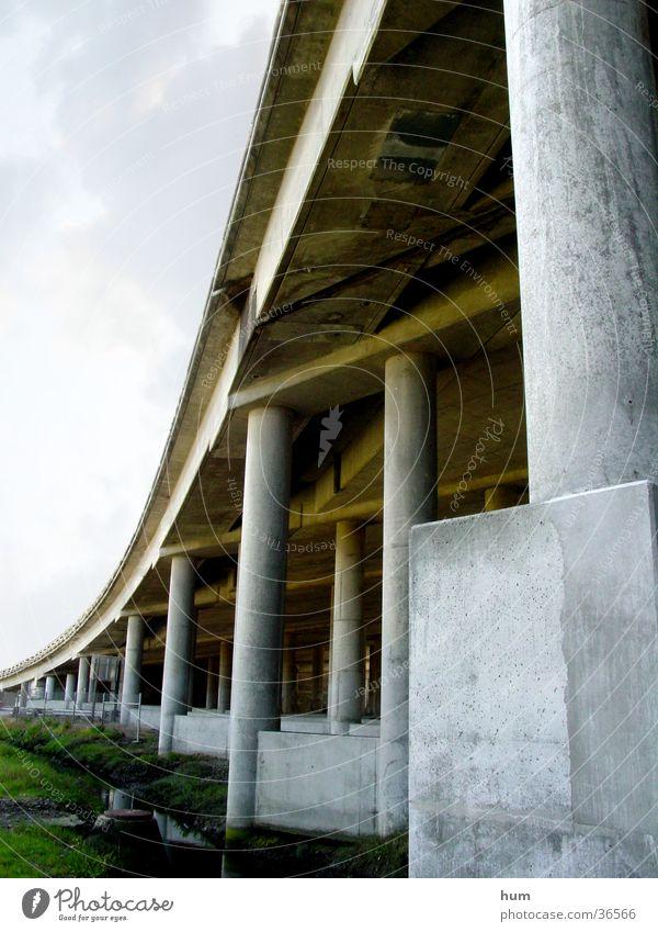 Underpass Stadt Straße Brücke Pfosten Landstraße