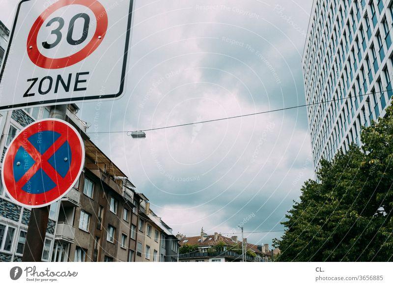 zone 30 Verkehr Sicherheit Schilder & Markierungen Straßenverkehr Verkehrszeichen Warnschild Verbote Halteverbot Parkverbot Verkehrsschild Stadt Verkehrswege